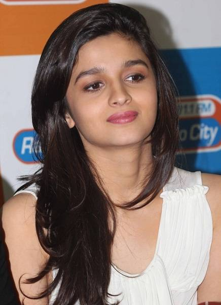 Alia Bhatt Hot Pictures and Biography