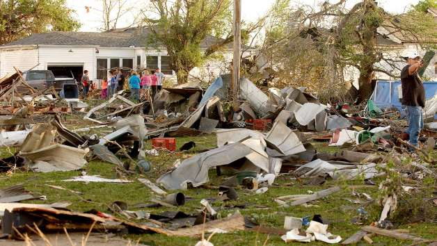 Arkansas State destroyed town by Tornado with video