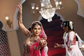 Dedh Ishqiya Hindi Movie By Madhuri Dixit