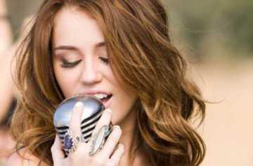 Miley Cyrus Was YouTube Empress 2013
